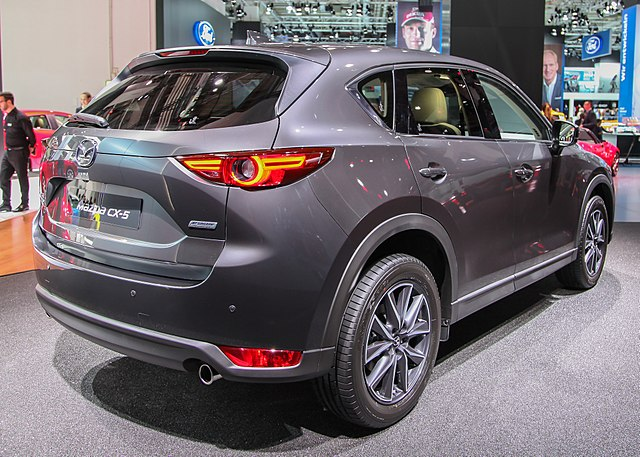 mazda-cx5-modelle-gebrauchtwagen-kaufen-hamburg / Alexander Migl [CC BY-SA 4.0 (https://creativecommons.org/licenses/by-sa/4.0)], from Wikimedia Commons